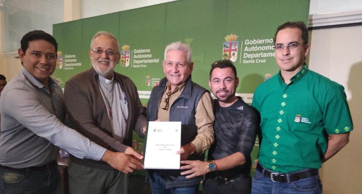 El P. Mateo Bautista comprometido con la donación de médula ósea en Bolivia.